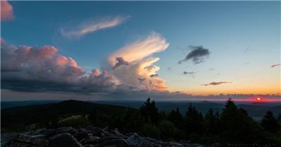 实拍绝美的日出云海自然风景