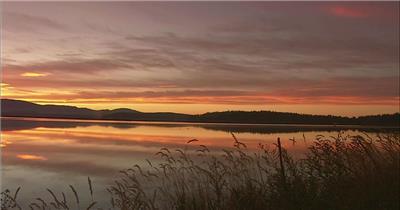 夕阳下的自然风光(湖面大景)中国名胜风景标志性景点高清视频素材