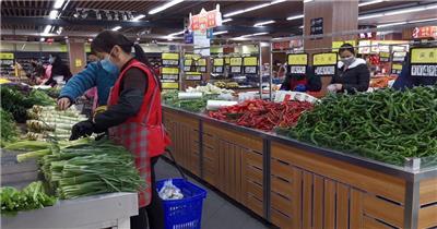 实拍疫情市民买菜