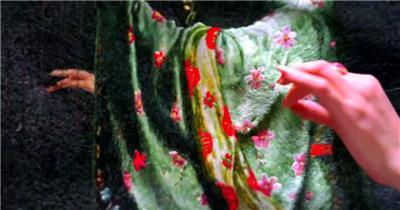 古代文化工艺刺绣技术装饰唯美景色图案人员刺绣特写视频实拍