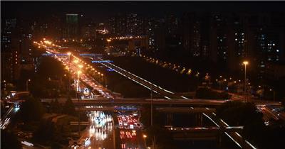 北京广渠门桥高峰期车流