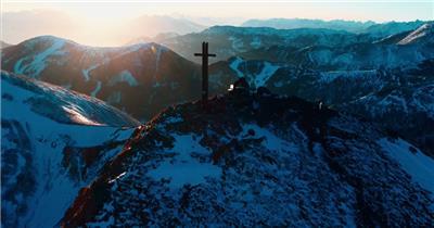 实景航拍雪山美景雪山公路的视频