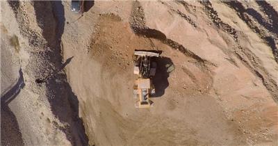 实拍工地建造挖土机工作视频