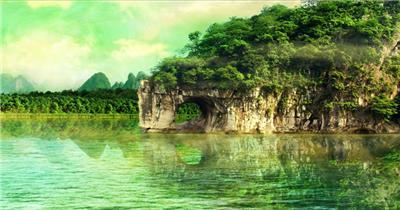 唯美仙境桂林象鼻山烟雾弥漫茂盛树林碧绿河水高清视频实拍