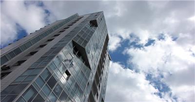 商务大楼外墙特写 蓝天白云天空云流动时间流逝实拍视频